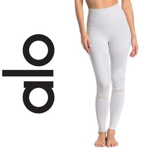 (NWT) ALO - High Waist Moto Leggings in Dove Grey